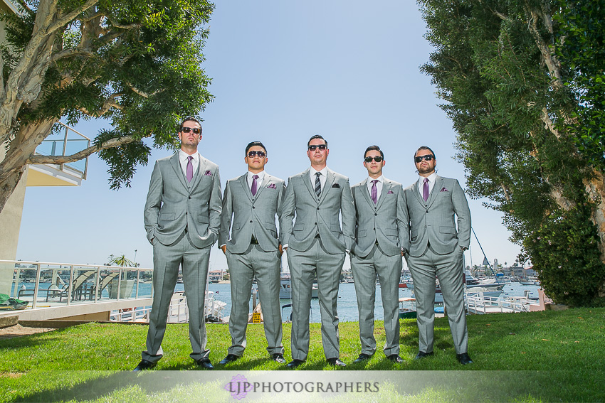 11-crystal-cove-newport-beach-wedding-photographer-getting-ready-photos