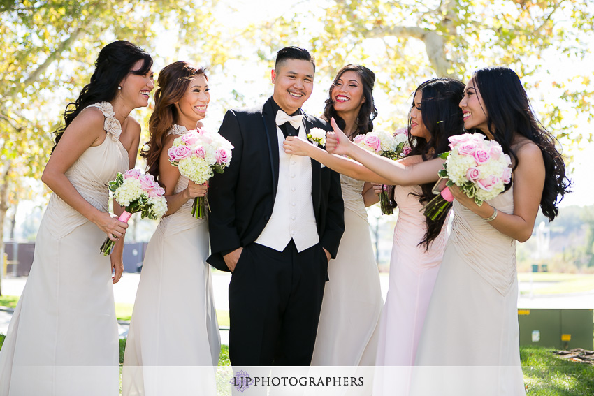 12-summit-house-fullerton-wedding-photographer-wedding-party-photos