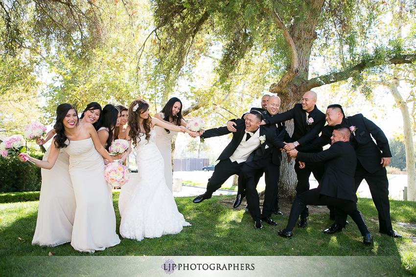 13-summit-house-fullerton-wedding-photographer-wedding-party-photos