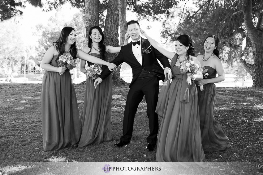 16-fun-wedding-party-orange-county-photos