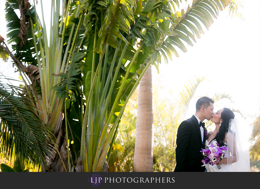 18-gorgeous-bride-and-groom-wedding-photos-orange-county