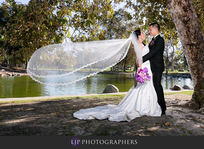 19-gorgeous-bride-and-groom-wedding-photos-orange-county