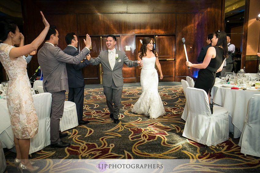 20-hilton-los-angeles-universal-city-wedding-photographer