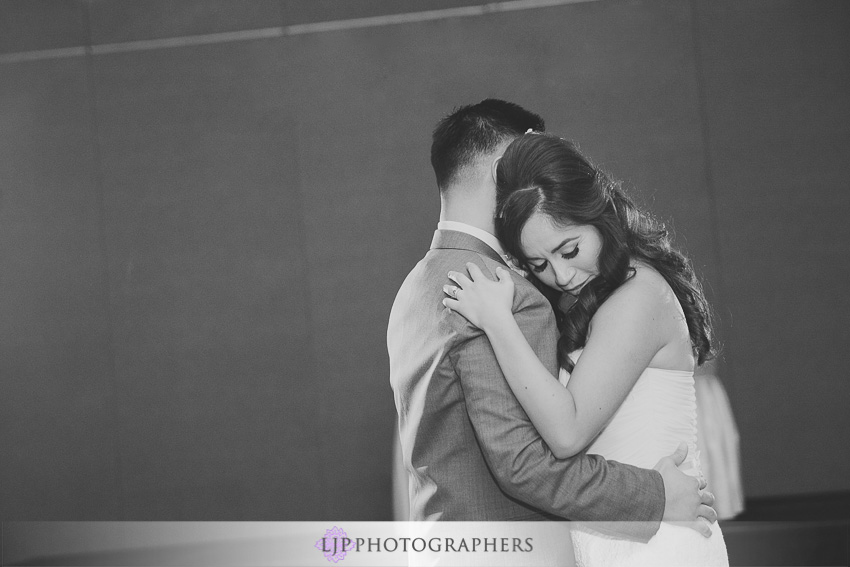 21-hilton-los-angeles-universal-city-wedding-photographer