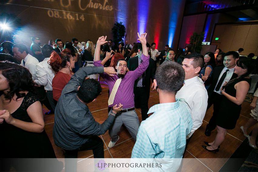 26-hilton-los-angeles-universal-city-wedding-photographer