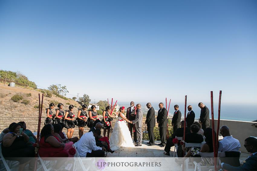 26-malibu-wedding-photographer-wedding-ceremony-photos
