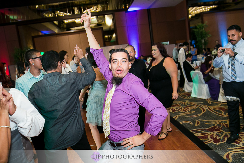 28-hilton-los-angeles-universal-city-wedding-photographer