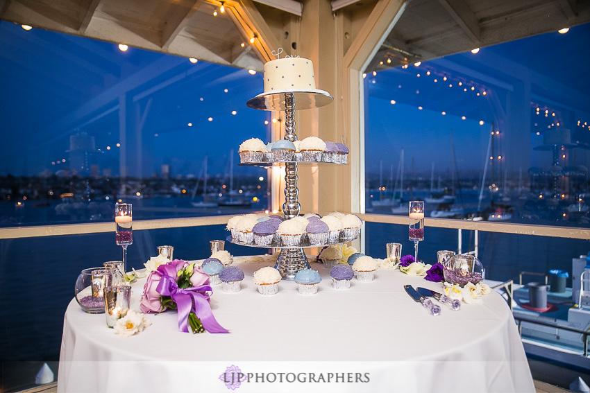 29-crystal-cove-newport-beach-wedding-photographer-wedding-reception-photos