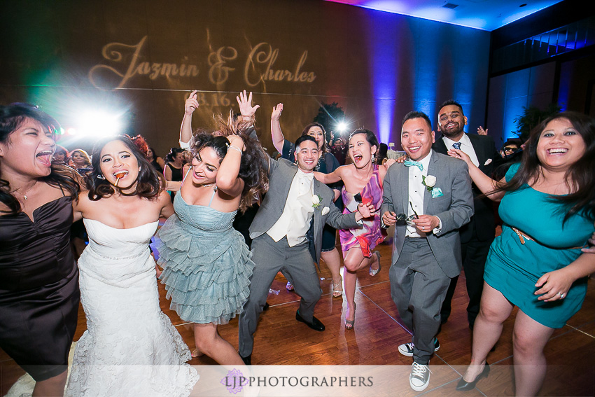 29-hilton-los-angeles-universal-city-wedding-photographer