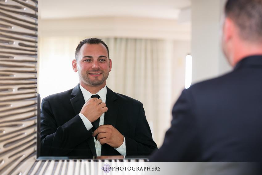 005-crowne-plaza-hotel-redondo-beach-wedding-photographer-getting-ready-photos