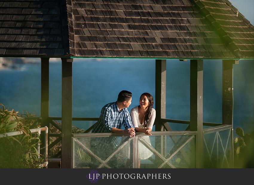 006-beautiful-sunset-laguna-beach-engagement-photographer