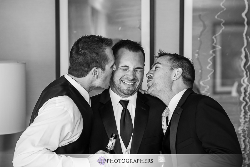 007-crowne-plaza-hotel-redondo-beach-wedding-photographer-getting-ready-photos