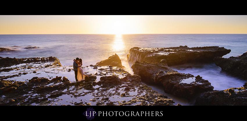 008-beautiful-sunset-laguna-beach-engagement-photographer