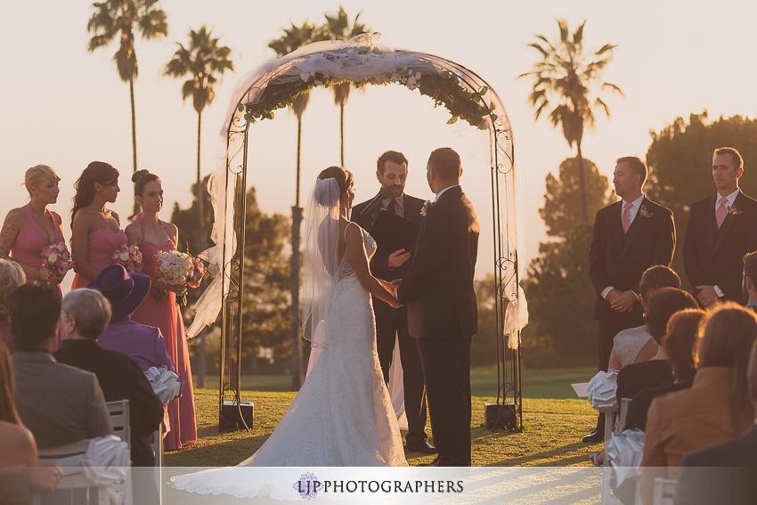 015-crowne-plaza-hotel-redondo-beach-wedding-photographer-wedding-ceremony-photos