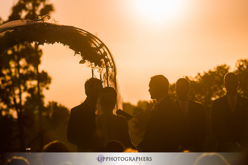 016-crowne-plaza-hotel-redondo-beach-wedding-photographer-wedding-ceremony-photos
