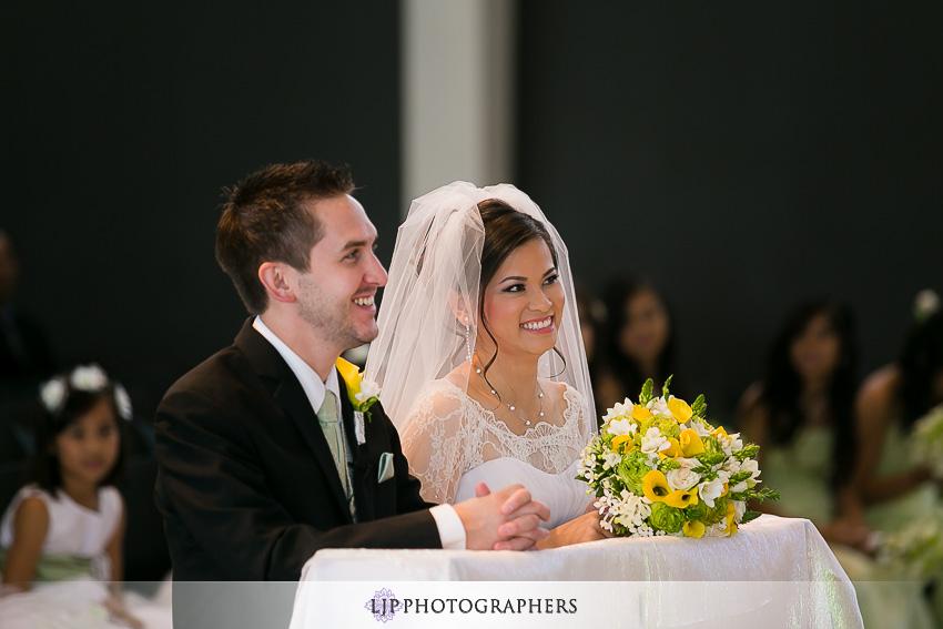 017-christ-cathedral-wedding-photographer-wedding-ceremony-photos