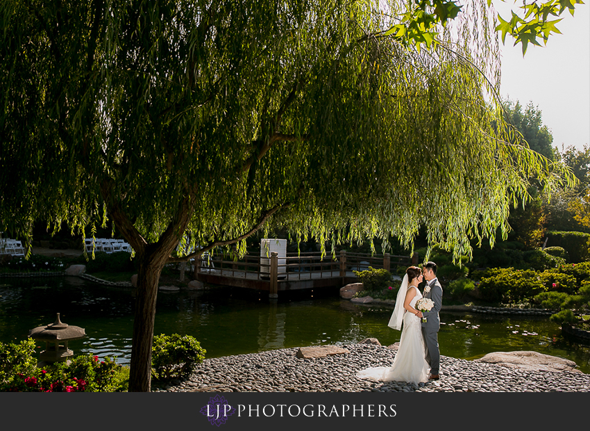 017-earl-burns-miller-japenese-garden-wedding-photographer-couple-session-wedding-party-photos
