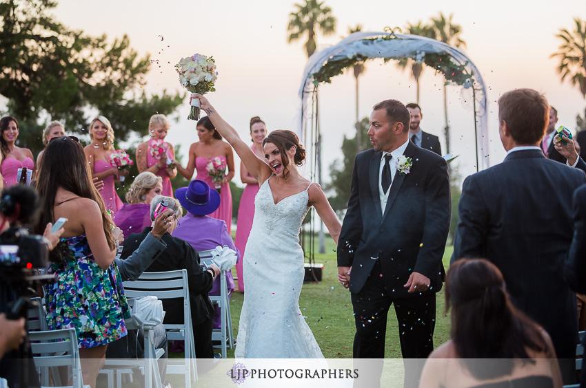018-crowne-plaza-hotel-redondo-beach-wedding-photographer-wedding-ceremony-photos