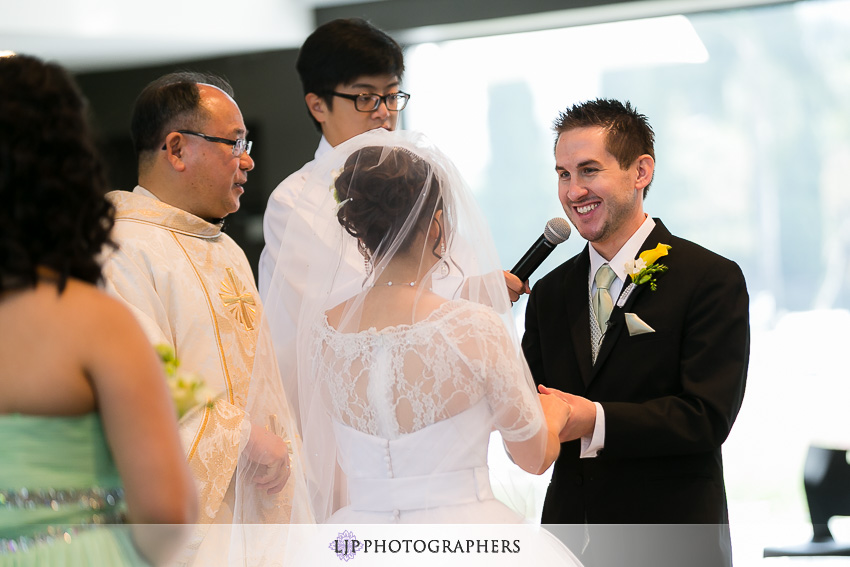 019-christ-cathedral-wedding-photographer-wedding-ceremony-photos