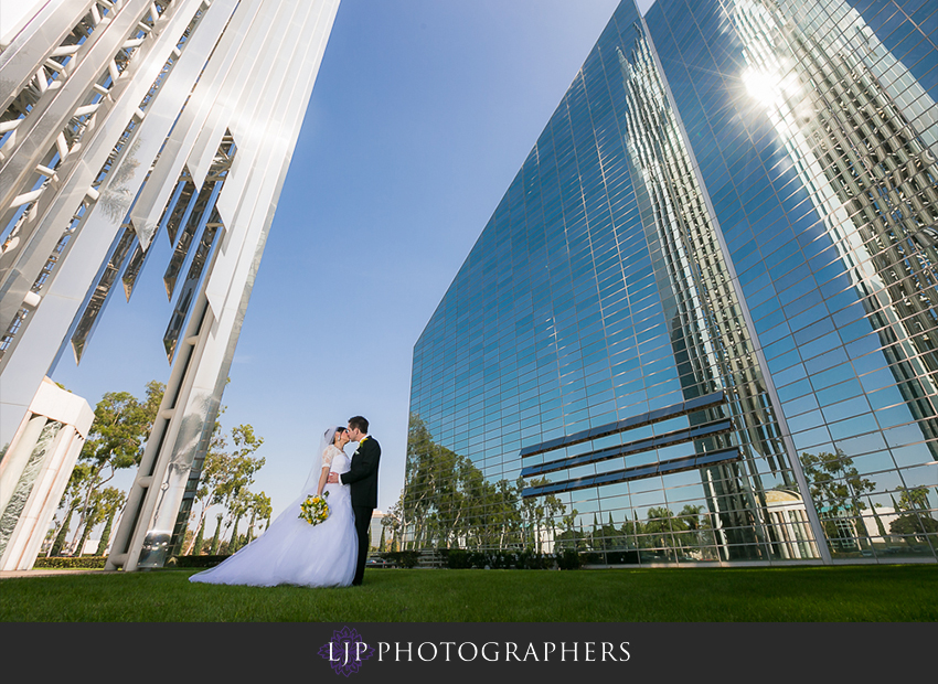 020-christ-cathedral-wedding-photographer-couple-session-photos