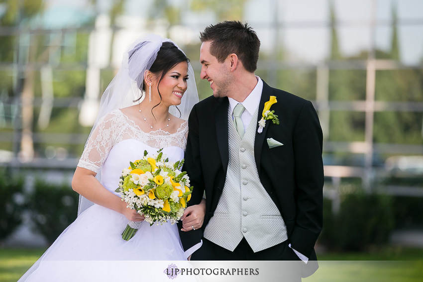 022-christ-cathedral-wedding-photographer-couple-session-photos