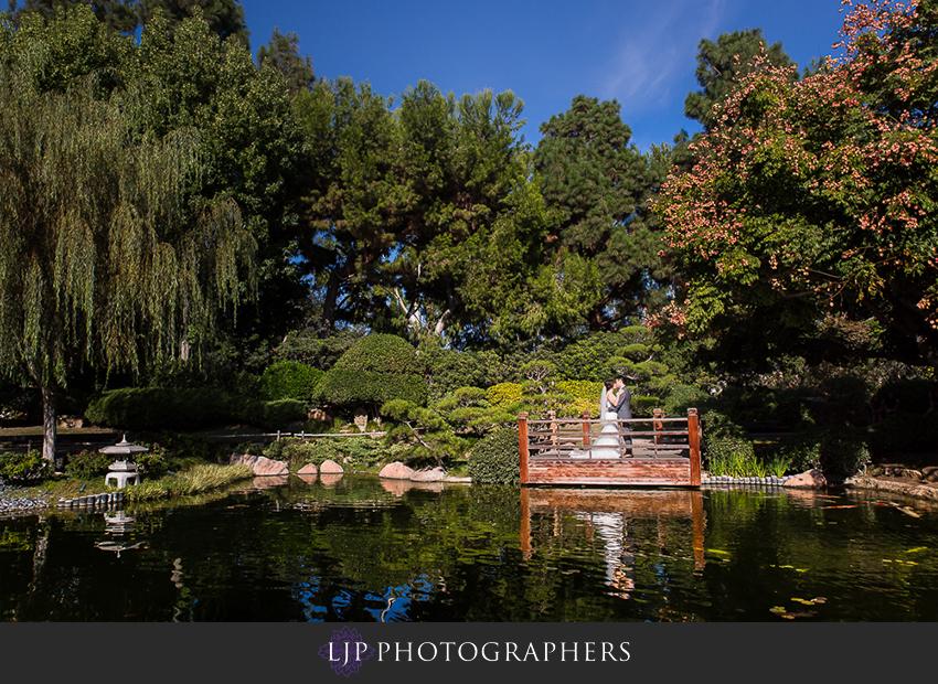 022-earl-burns-miller-japenese-garden-wedding-photographer-couple-session-wedding-party-photos