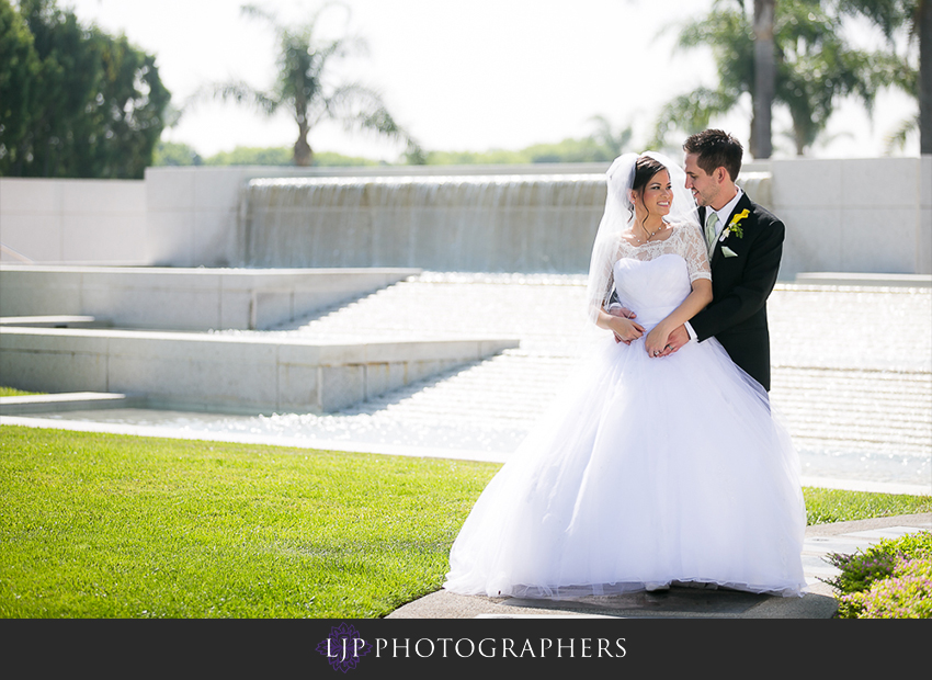 023-christ-cathedral-wedding-photographer-couple-session-photos