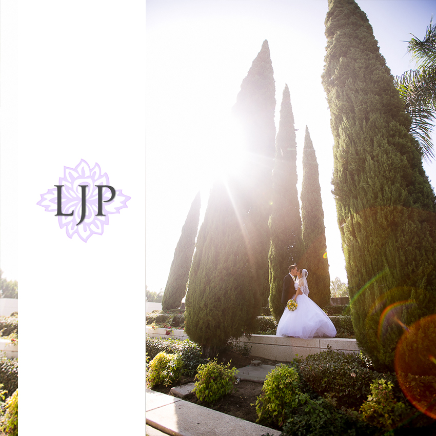 024-christ-cathedral-wedding-photographer-couple-session-photos