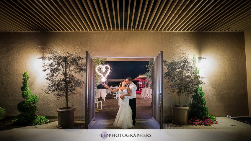 033-crowne-plaza-hotel-redondo-beach-wedding-photographer-wedding-reception-photos