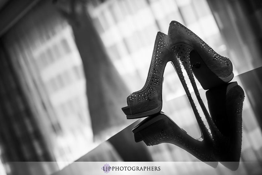 034-crowne-plaza-hotel-redondo-beach-wedding-photographer-getting-ready-photos