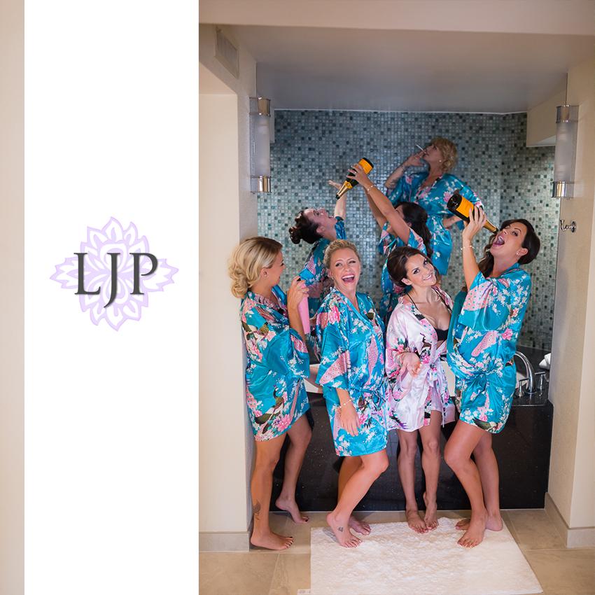 035-crowne-plaza-hotel-redondo-beach-wedding-photographer-getting-ready-photos