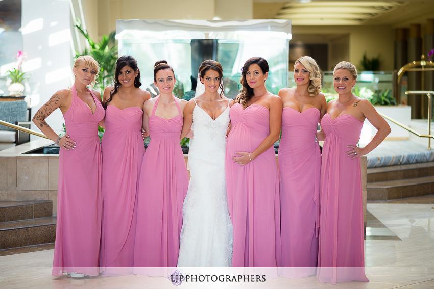 037-crowne-plaza-hotel-redondo-beach-wedding-photographer-getting-ready-photos