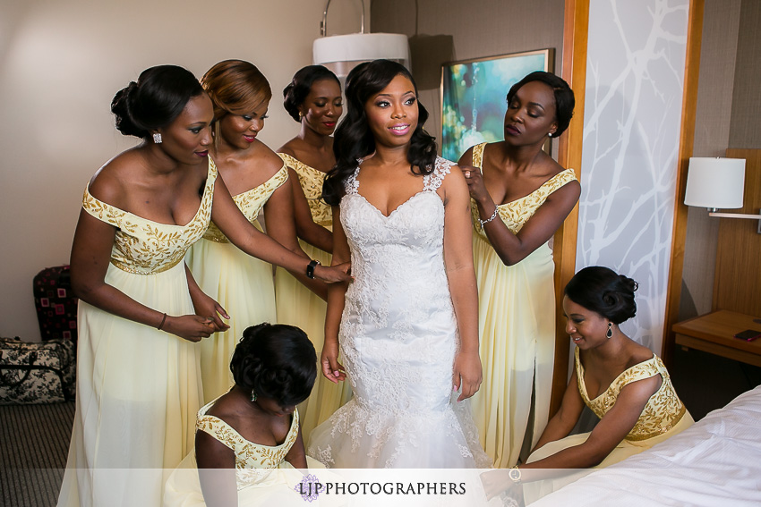 04-the-majestic-downtown-los-angeles-wedding-photographer-getting-ready-photos