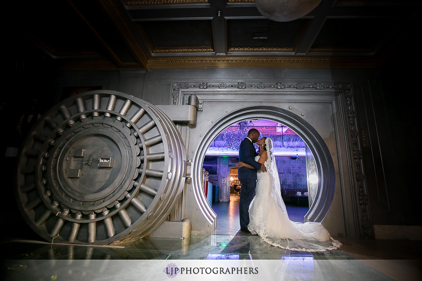 23-the-majestic-downtown-los-angeles-wedding-photographer-couple-session-photos