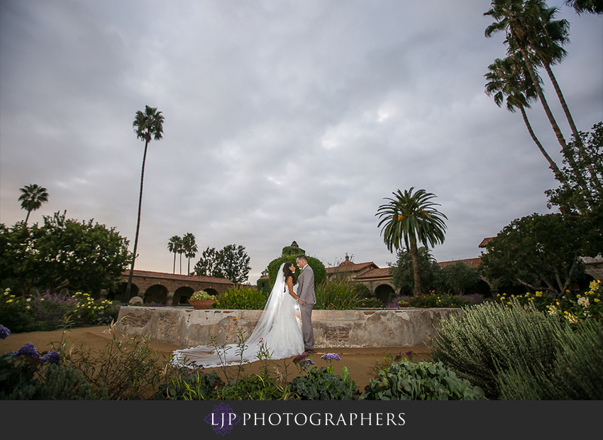 26-the-villa-del-sol-fullerton-wedding-photographer-couple-session-photos
