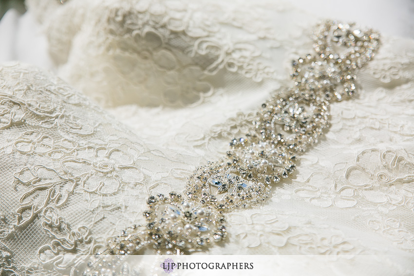 01-the-villa-banquet-room-westminster-wedding-photographer-getting-ready-photos