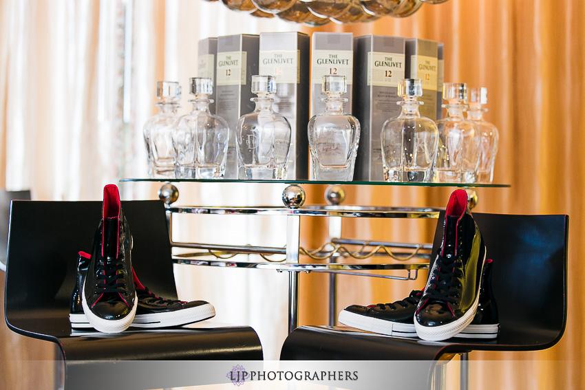 03-avenue-of-the-arts-wyndham-costa-mesa-hotel-wedding-photographer-getting-ready-photos