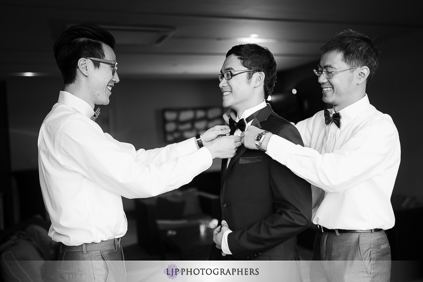 05-doubletree-by-hilton-hotel-monrovia-pasadena-wedding-photographer-getting-ready-photos