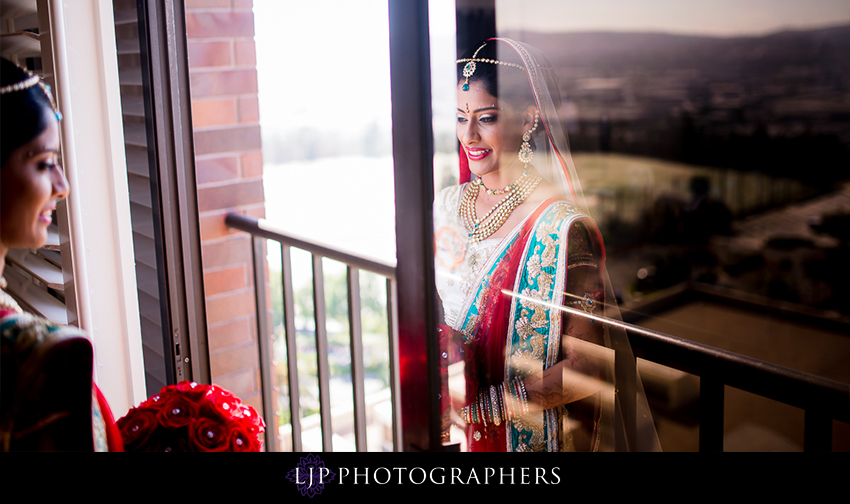 06-pacific-palms-resort-city-of-industry-indian-wedding-photographer