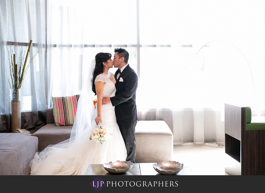 07-the-villa-banquet-room-westminster-wedding-photographer-getting-ready-photos