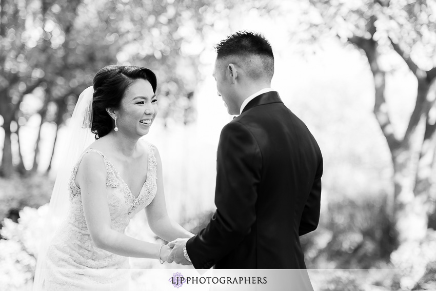 07-vibiana-los-angeles-wedding-photographer-first-look-couple-session-photos