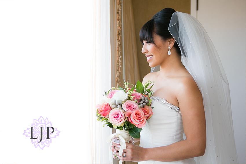 08-avenue-of-the-arts-wyndham-costa-mesa-hotel-wedding-photographer-getting-ready-photos