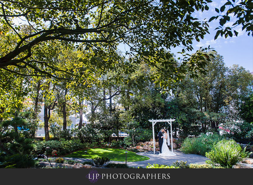 09-vibiana-los-angeles-wedding-photographer-first-look-couple-session-photos