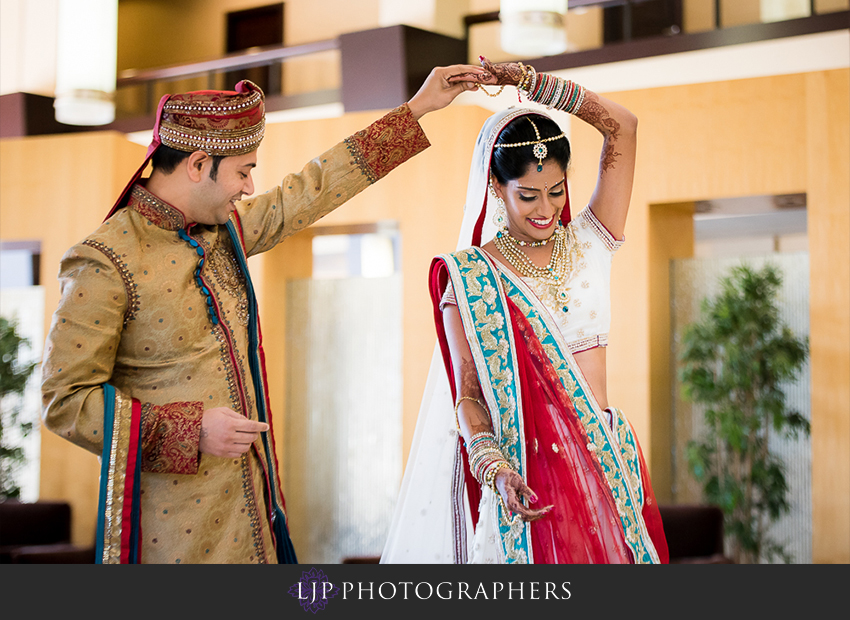10-pacific-palms-resort-city-of-industry-indian-wedding-photographer