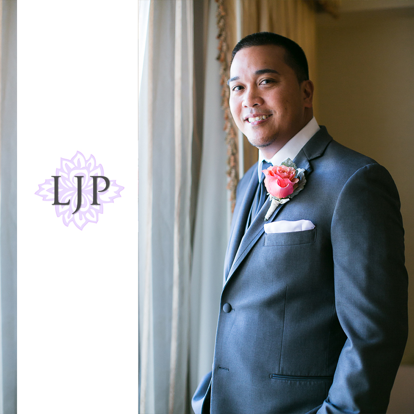 11-avenue-of-the-arts-wyndham-costa-mesa-hotel-wedding-photographer-getting-ready-photos