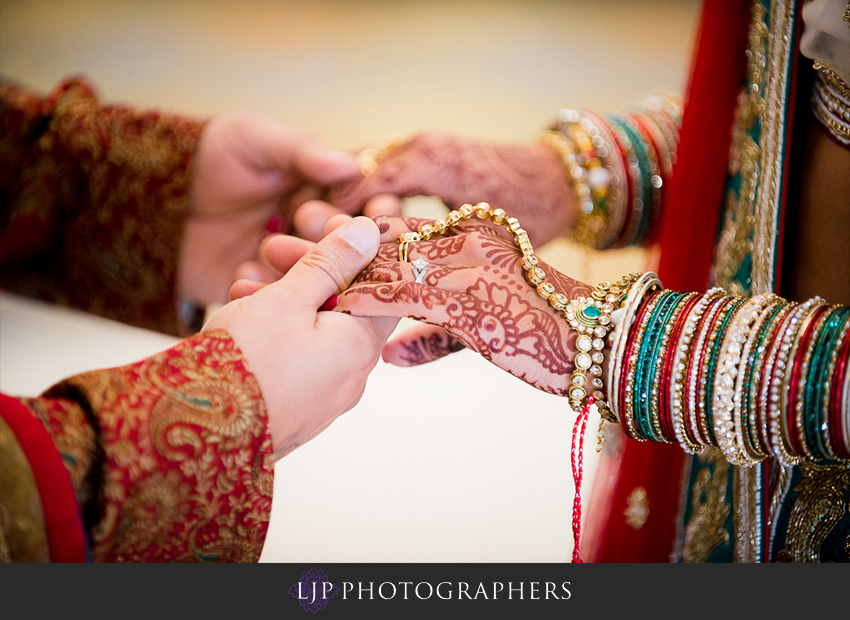 11-pacific-palms-resort-city-of-industry-indian-wedding-photographer
