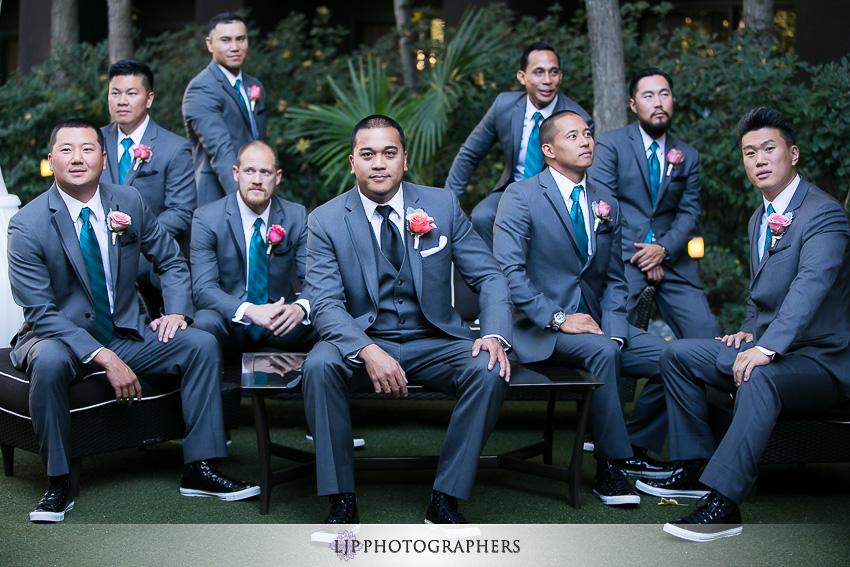 12-avenue-of-the-arts-wyndham-costa-mesa-hotel-wedding-photographer-getting-ready-photos