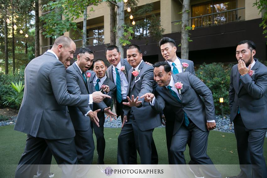 13-avenue-of-the-arts-wyndham-costa-mesa-hotel-wedding-photographer-getting-ready-photos
