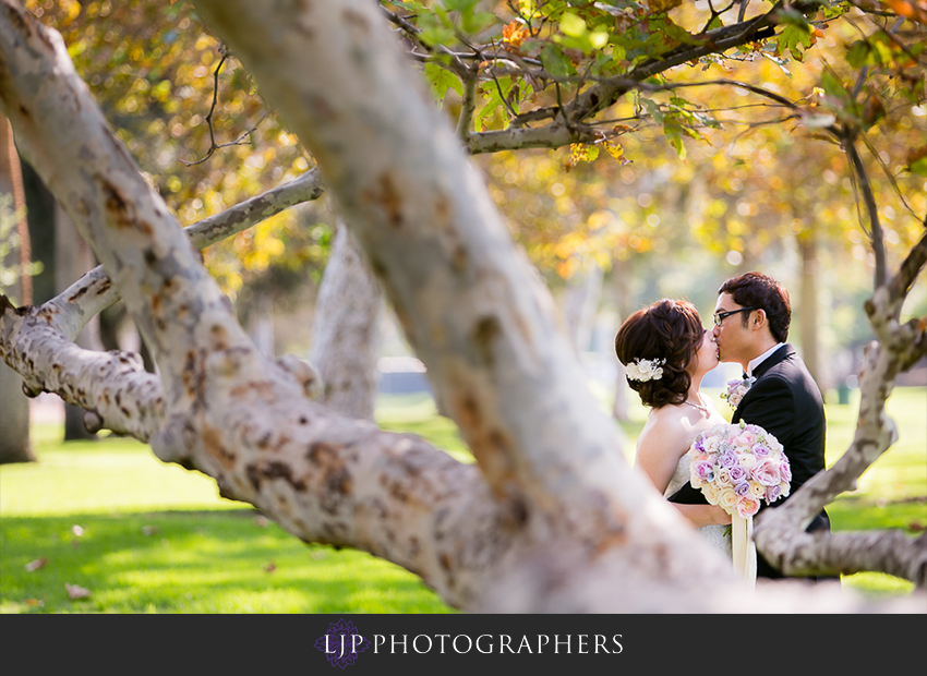 14-doubletree-by-hilton-hotel-monrovia-pasadena-wedding-photographer-first-look-couple-session-photos