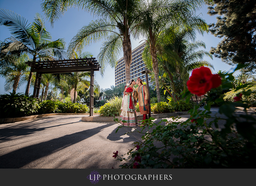 14-pacific-palms-resort-city-of-industry-indian-wedding-photographer